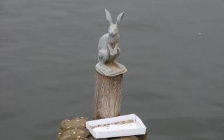 Описание памятника зайцу в санкт-петербурге